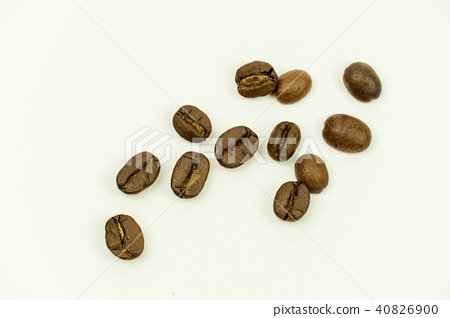 coffee beans isolated on white background 40826900