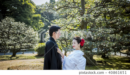 Japanese dress wedding bride and groom 40861651
