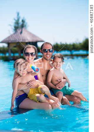 Family vacation 40887185