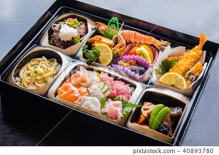 Bento豪華套餐午餐 40893780