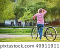 woman, senior, park 40911911