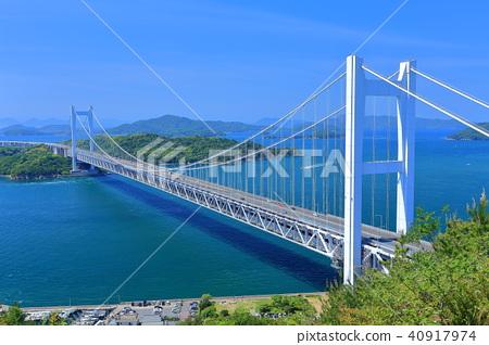 Shimotsui Seto Ohashi Bridge in fresh green 40917974