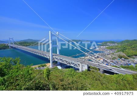 Shimotsui Seto Ohashi Bridge in fresh green 40917975