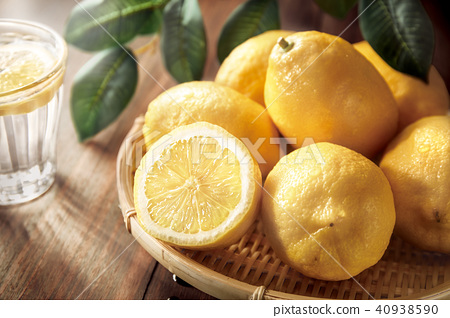 Lemon image 40938590