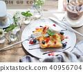 อาหารเช้าที่ปิ้งขนมปังฝรั่งเศส 40956704