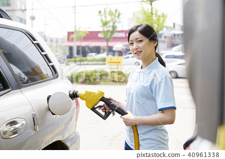 Part-time job, gas station 40961338