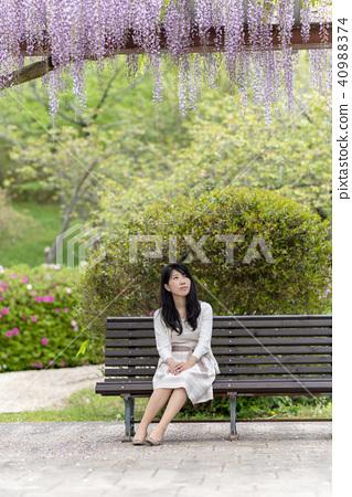 和她在公園約會 40988374