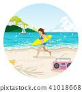 跑与冲浪板的女性圆剪贴美术在海滩 41018668