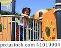 놀이터의 여자아이 41019904
