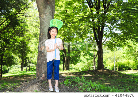 A girl with a dragonfly 41044976