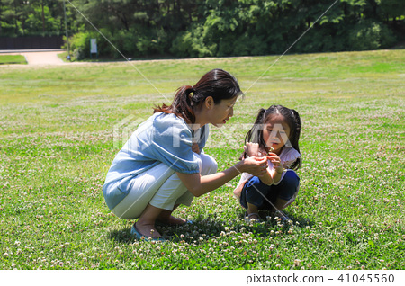 행복한 엄마와 딸 41045560