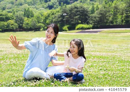 행복한 엄마와 딸 41045579