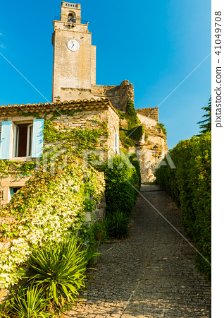Old Overgrown House At Small Typical Town In Stock Photo 41049708 Pixta