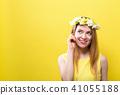 Beautiful young woman 41055188