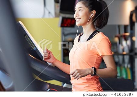 女子吉姆跑 41055597