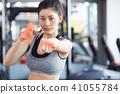 女性健身健身房拳擊手大小 41055784
