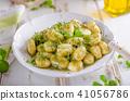 pesto pasta sauce 41056786