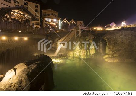 Kusatsu hot spring / night view of hot water field 41057462
