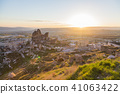 从土耳其卡帕多西亚Uchisar堡垒的日出 41063422
