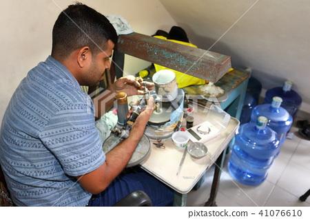 Gemstone grinding in Ratnapura in Sri Lanka 41076610