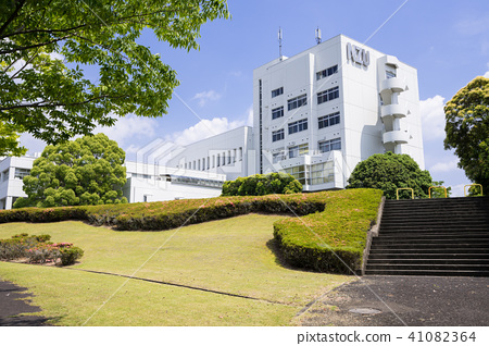 Nagoya University of Art and Design 41082364