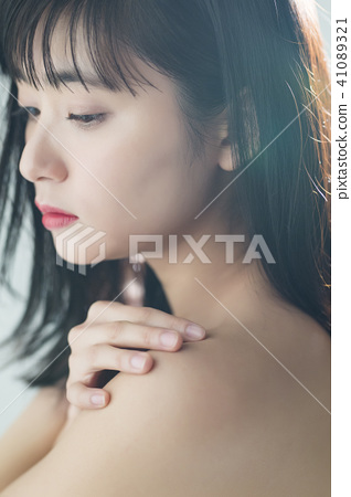 Female beauty series 41089321