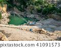Mining in the granite quarry.  41091573