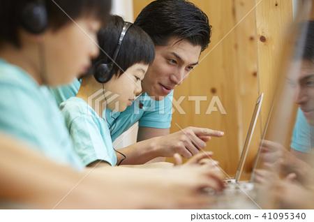兒童工作室程序員 41095340