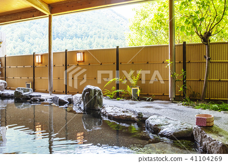 Outdoor Bath Hot Spring Image Emotional Material