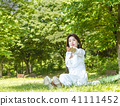 여성, 잔디, 잔디밭 41111452