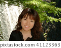 미소의 여성 滝の前 41123363