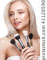 brushes, makeup, female 41126590
