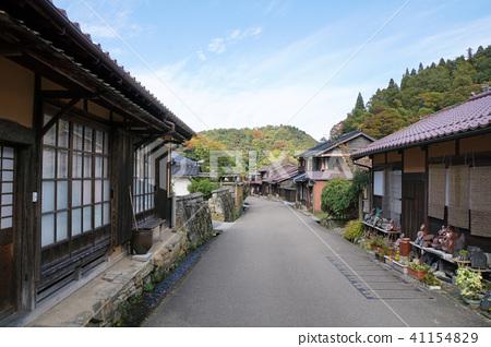 Iwami Ginzan Townscape 41154829
