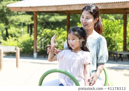 母親和女兒,女孩 41178313