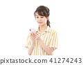 젊은 여성 스마트 폰 41274243