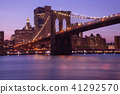 Night view of Brooklyn Bridge and Manhattan 41292570