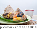 Rice dumplings or zongzi with tea 41331818