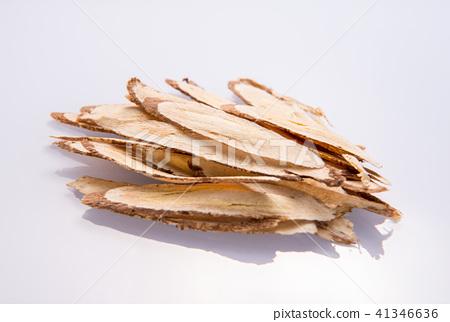 中國傳統中藥材 黃耆 黃芪 白色背景 留空 Astragalus chinese herbal  41346636
