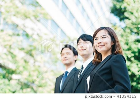 企業場面男人和婦女年輕人 41354315