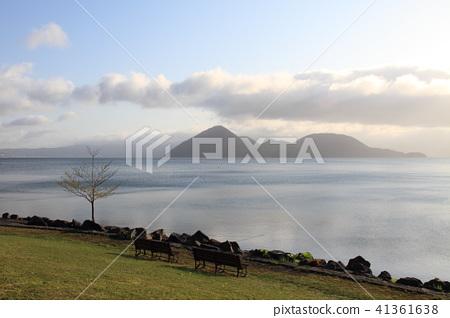 日本北海道洞爺湖畔的景色 41361638