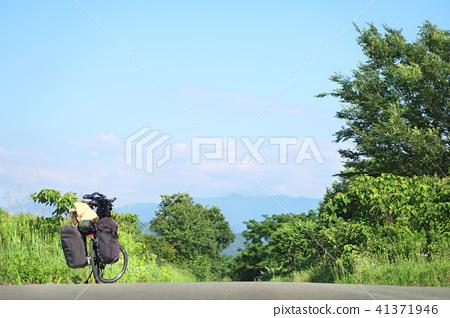 Interesting bike trip -2 41371946