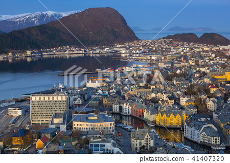 Beautiful Alesund town in Norway at dawn 41407320