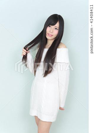 年輕女士的髮型 41408411