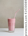 strawberry smoothie or milk shake 41430089