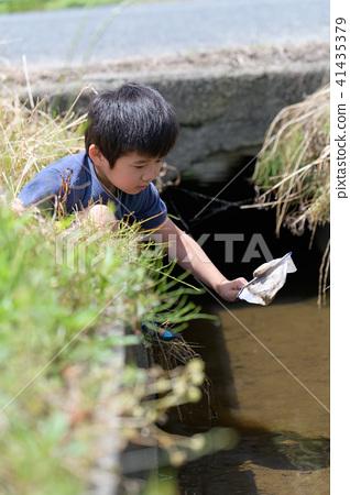 자연 물놀이 여름 방학 곤충 잡기 아이 41435379