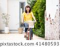자전거 젊은 여성 자전거 여행 41480593