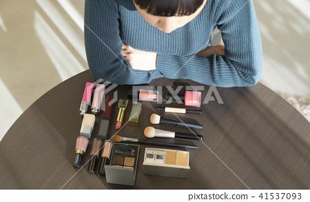 女性美容化妝 41537093