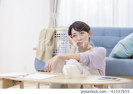 30年代抑鬱症中的女性疲勞壓力抑鬱的身體狀況 41537655