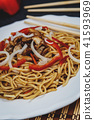 Chinese noodle with meat 41593969