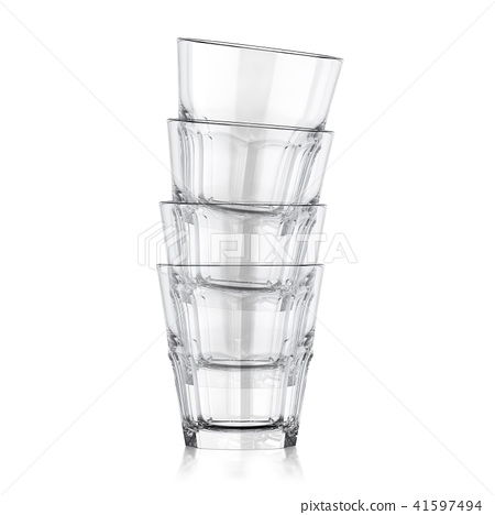 Whiskey glass 41597494
